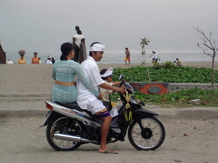 bali-motor-scooter-family