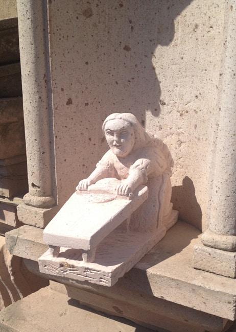 statues5