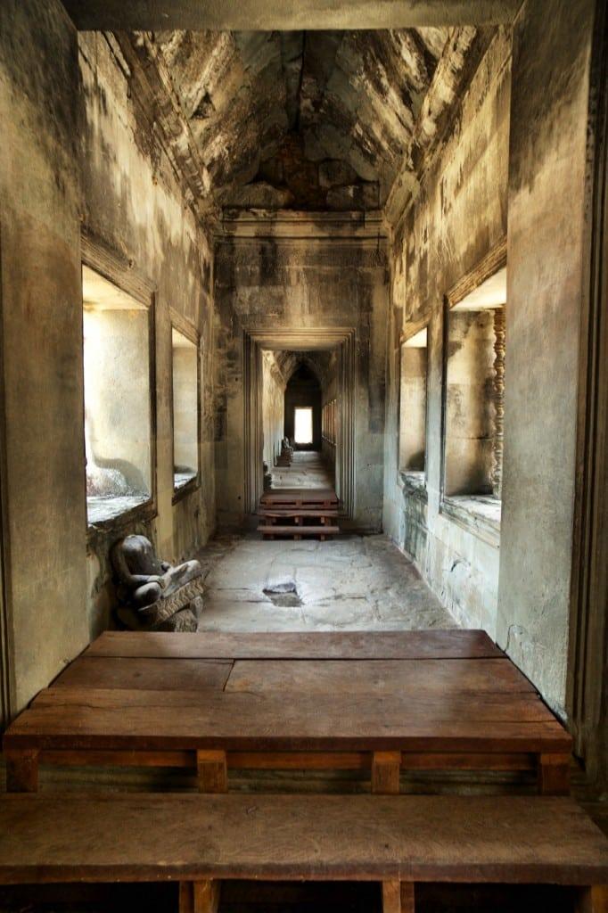 writing-retreats-vietnam-angkor-wat-interior