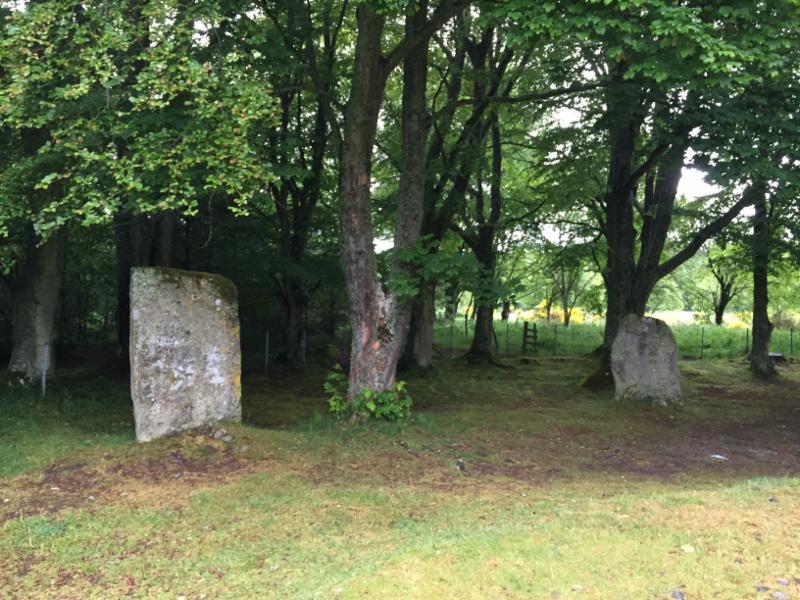 clava-cairns-standing-stones