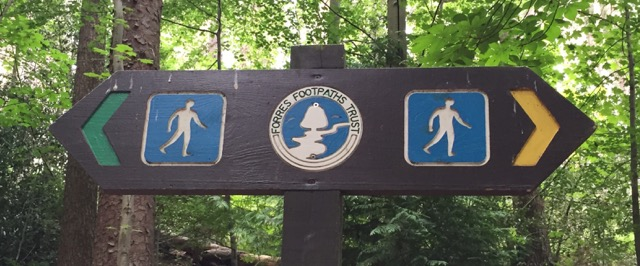 forest-trail-sign