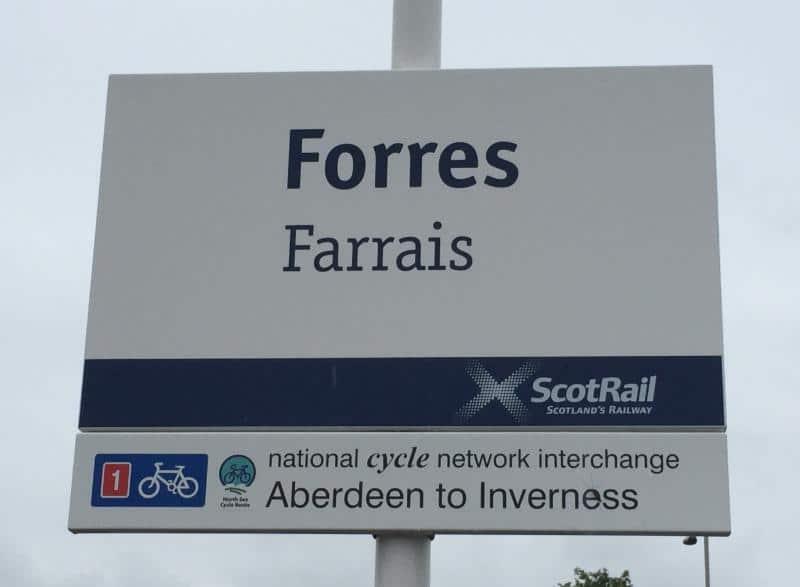 gaelic-signpost