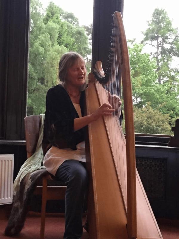 Sheila Pettit, harpist
