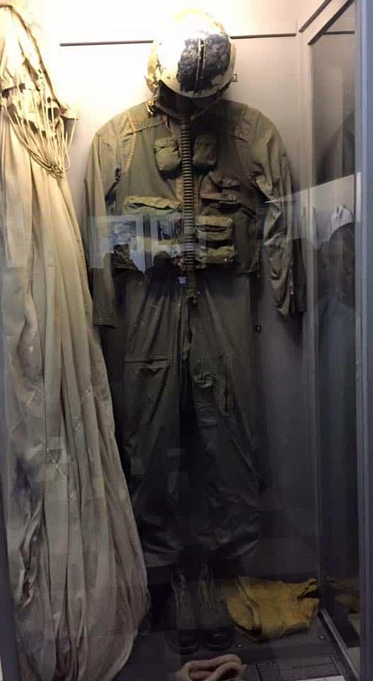 john-mccain-clothes