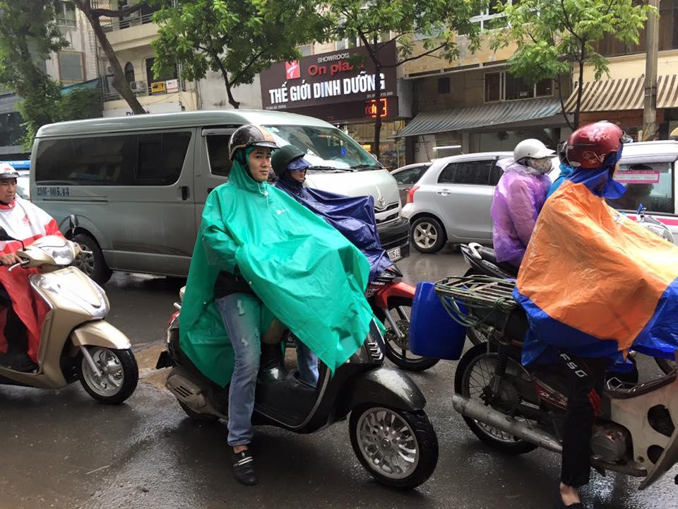 rainy-day-street-scene