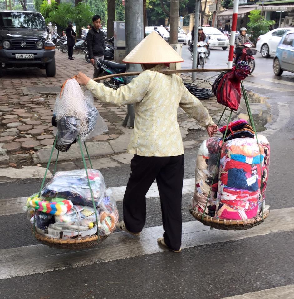 woman-street-seller-2