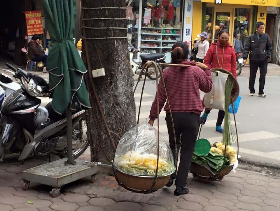 woman-street-seller