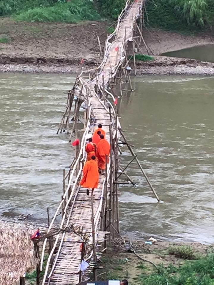 monks-crossing-bamboo-bridge-2