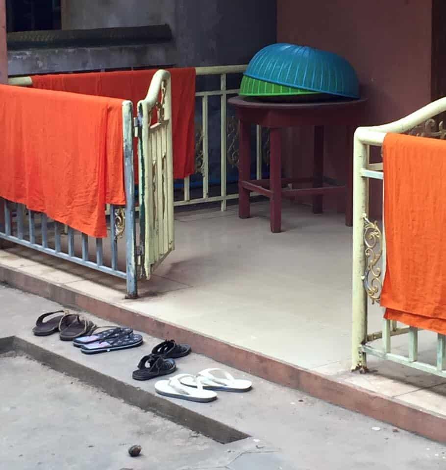 monks-laundry