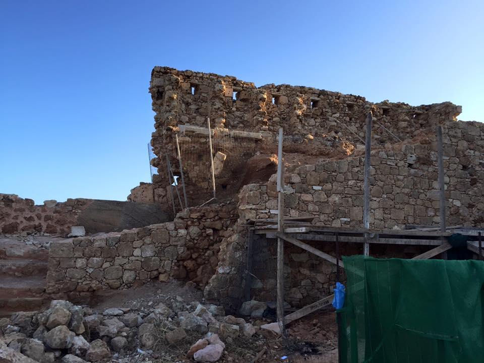 laura-davis-greece-chania-ancient-walls