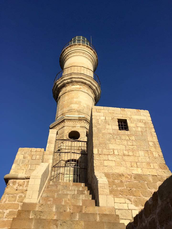 laura-davis-greece-chania-lighthouse-close