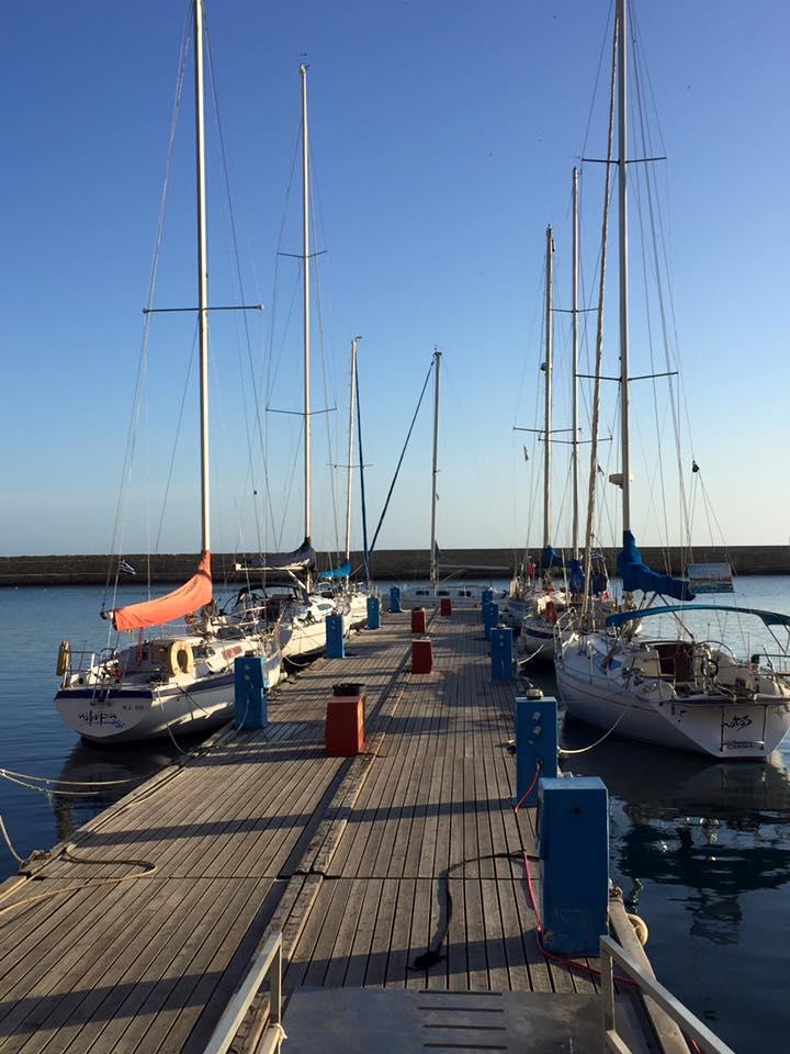 laura-davis-greece-chania-quiet-harbour
