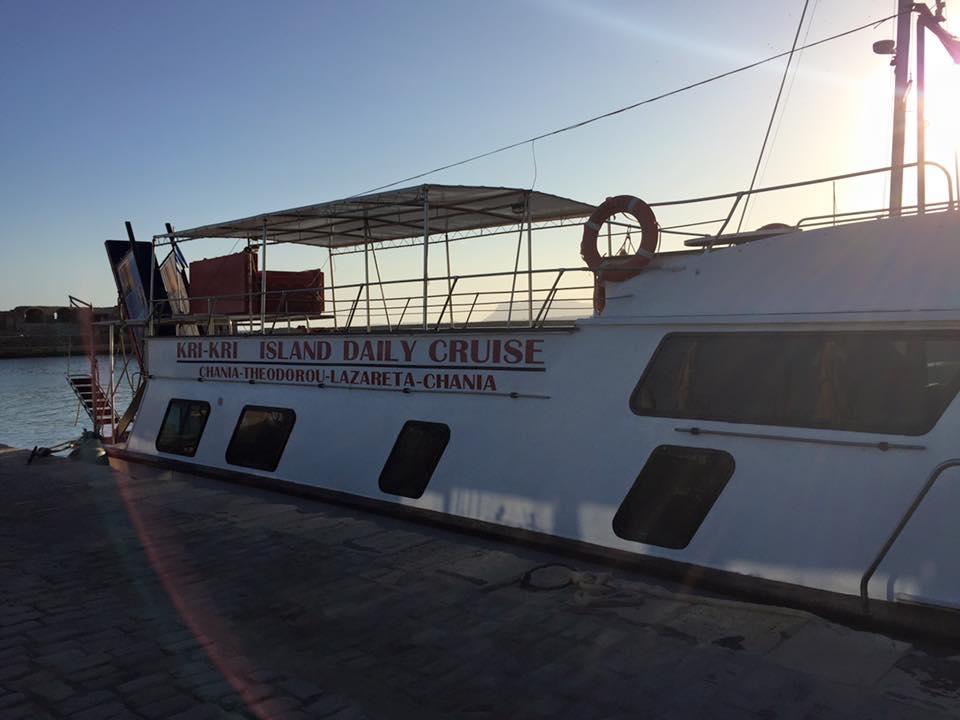 laura-davis-greece-chania-sleeping-tour-boat