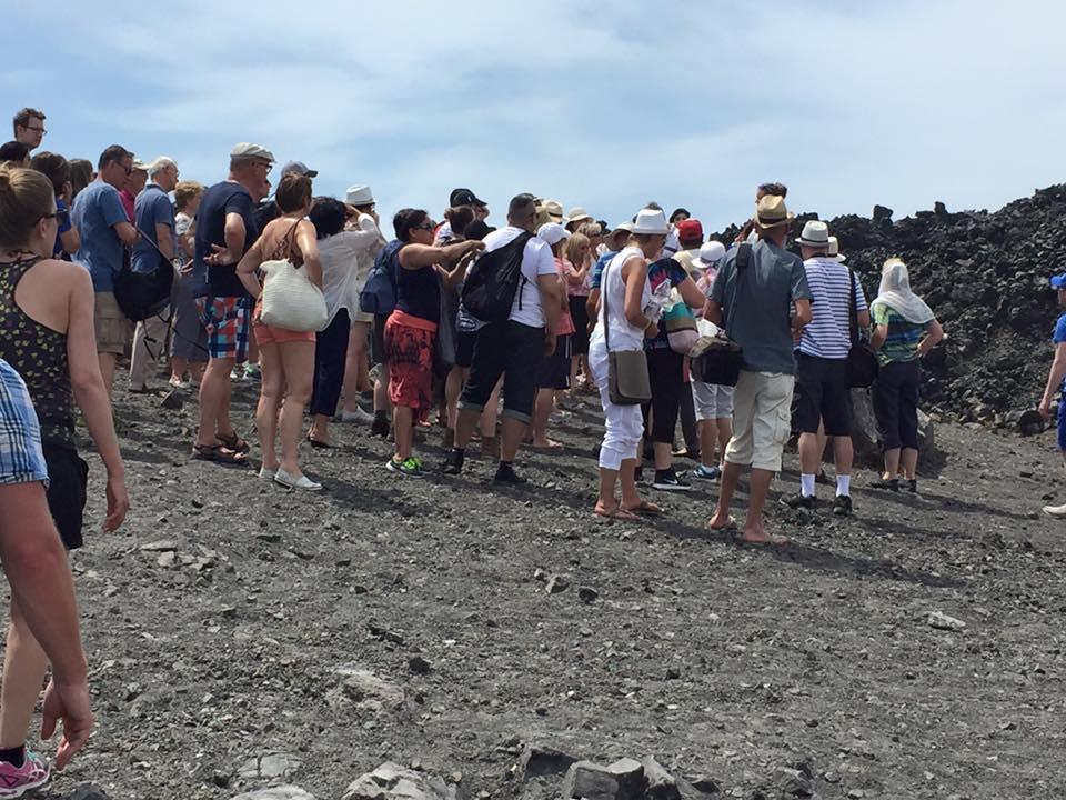 laura-davis-greece-crowds-arriving