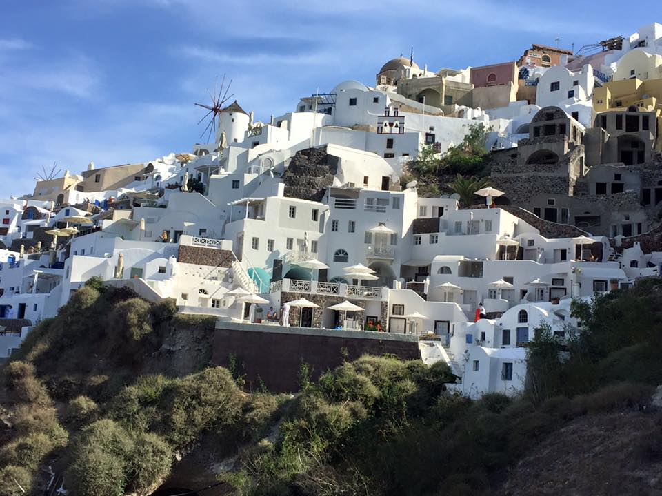 laura-davis-greece-santorini-hotel-and-surrounds