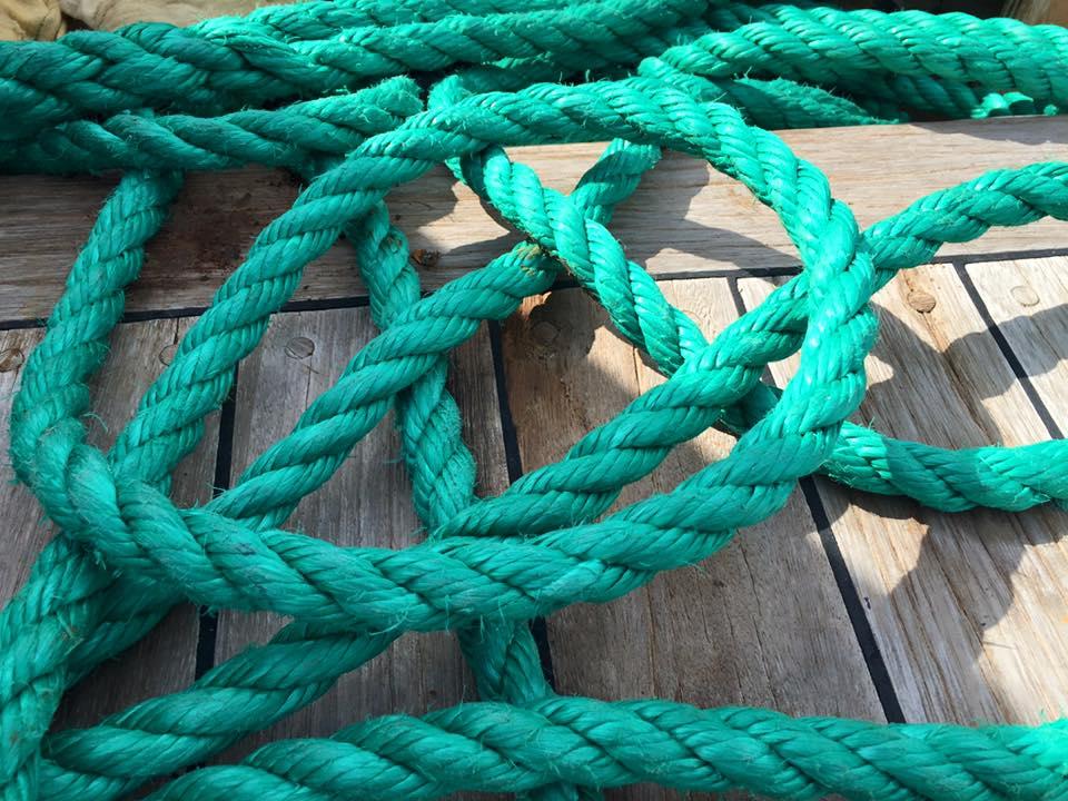 laura-davis-greece-santorini-ship-rope