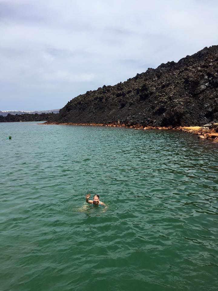 laura-davis-greece-santorini-swimming