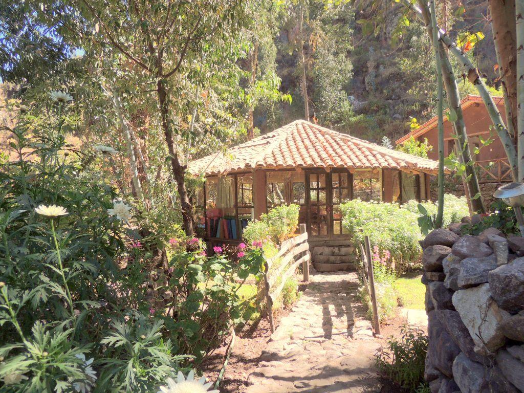 sacha-munay-pavilion-1719-peru-laura-davis