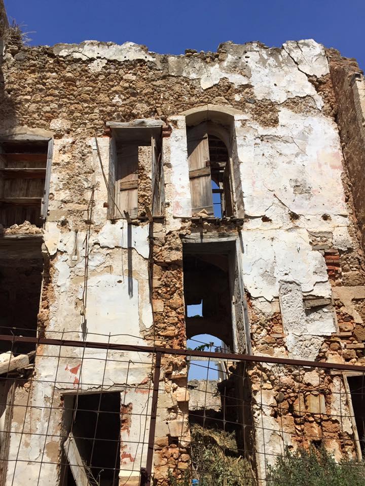 laura-davis-greece-chania-ruins