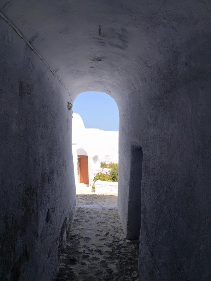 laura-davis-greece-church-doorway