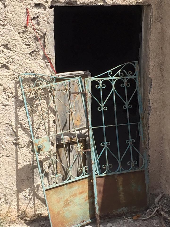 laura-davis-greece-disrepair