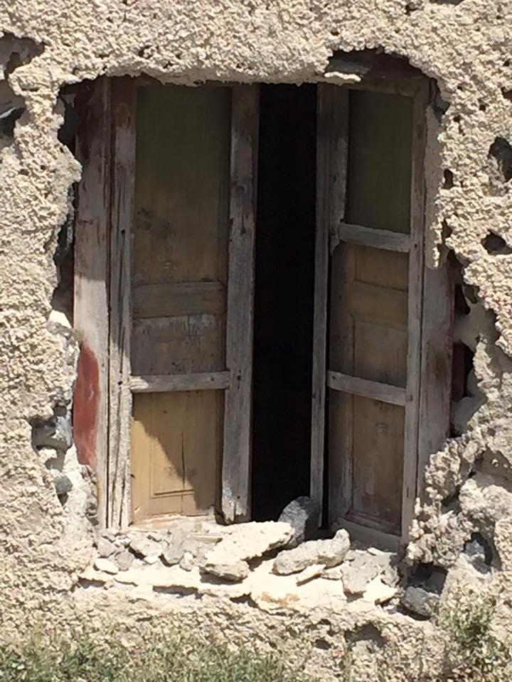 laura-davis-greece-ruin