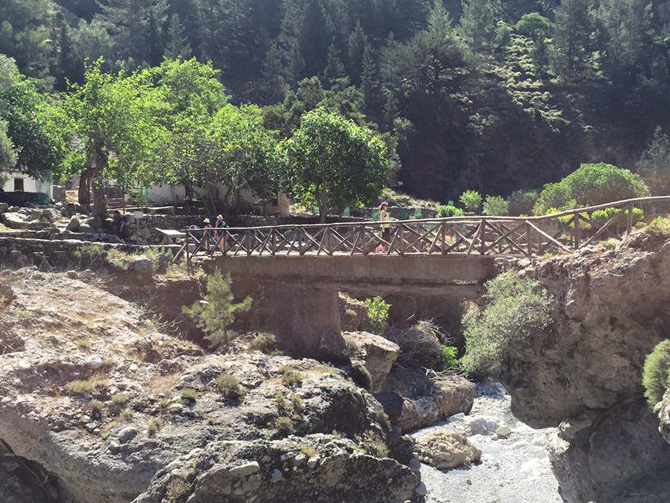 laura-davis-greece-samaria-gorge-bridge