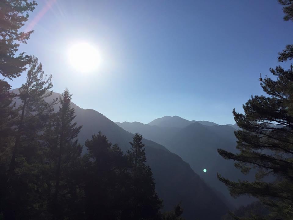 laura-davis-greece-samaria-gorge-early-morning-sun
