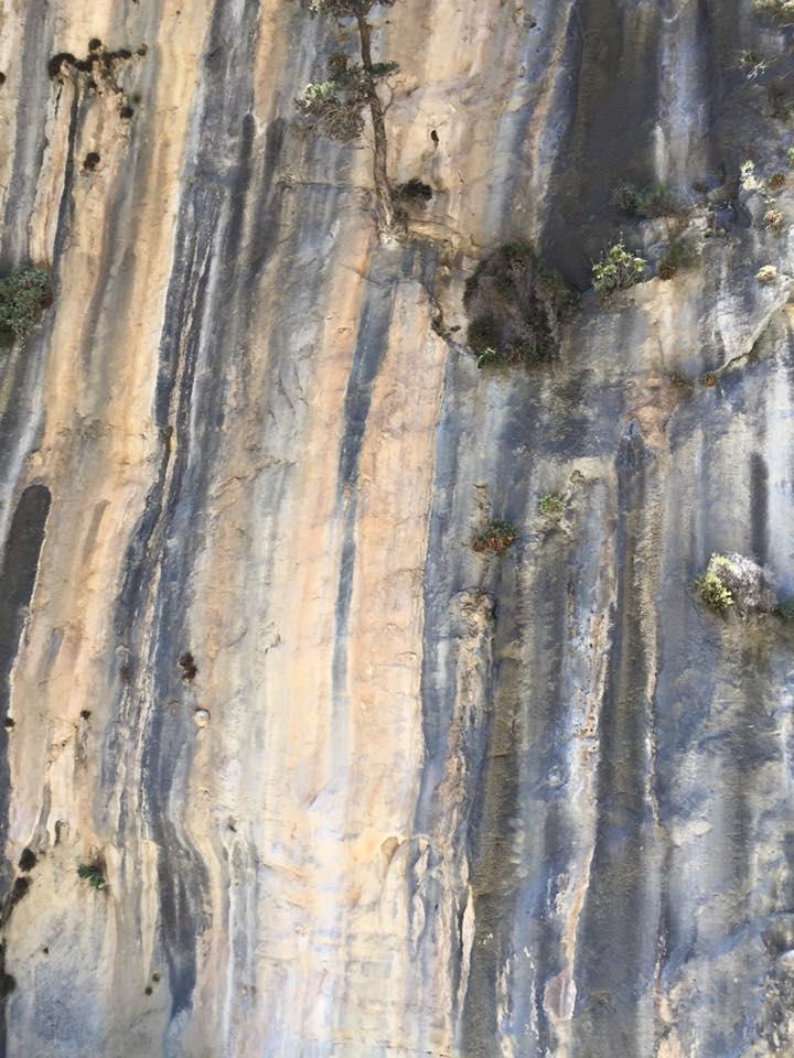 laura-davis-greece-samaria-gorge-rock-striations