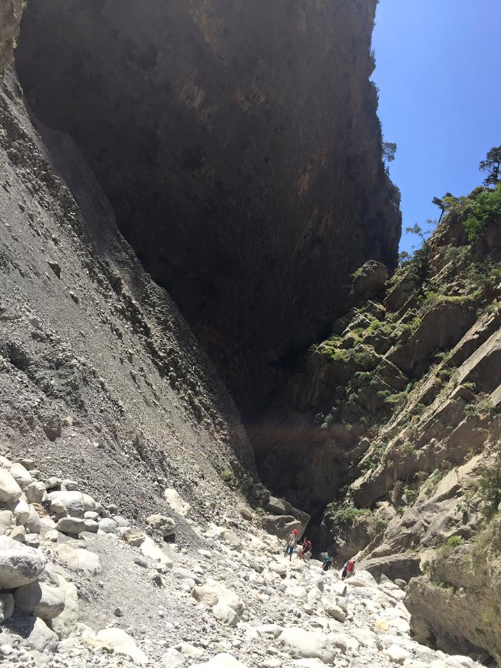 laura-davis-greece-samaria-gorge-tiny-hikers-vast-gorge