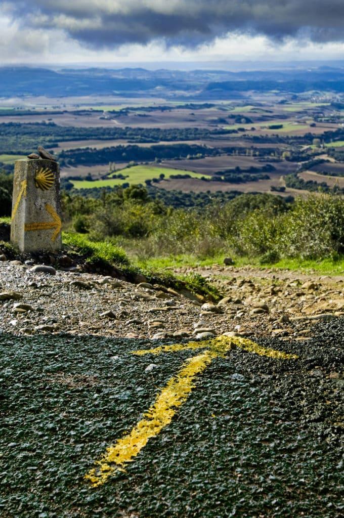 Jakobsweg Camino de Santiago Pfeil