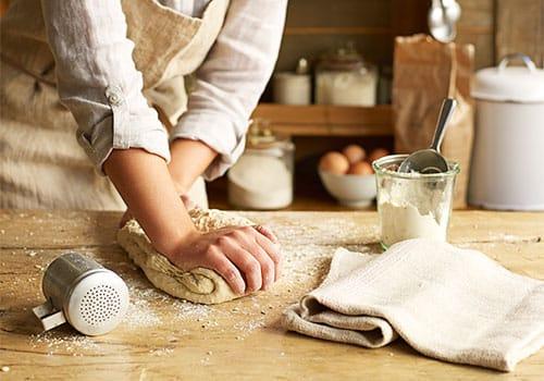 kneading-bread